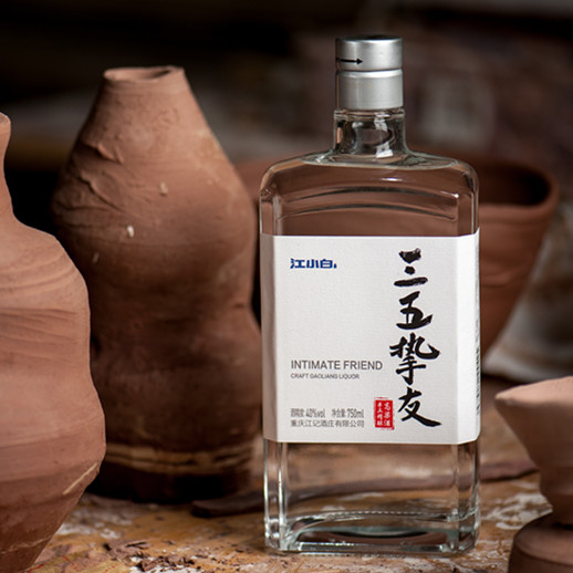 Intimate Friend - Top quality baijiu aged in jars